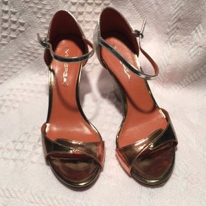 Via Spiga metallic wedge sandals shoes Sz 7 M